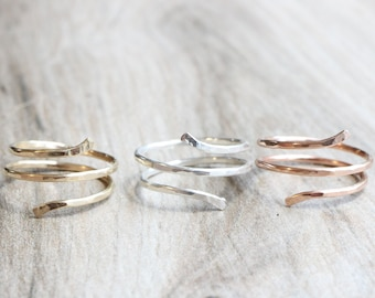 Hammered Spiral Ring // Adjustable Ring in Sterling Silver 14K Yellow Gold Filled or Rose Gold Filled // Minimalist Ring