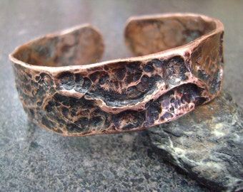 WOODLAND - Fathers Day Men's Cuff, Copper Bangle, Copper Cuff, Unisex Bangle, Copper Jewelry, Hand Forged Cuff, Gift for Dad, WCT48