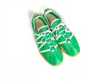 54465cd50e34c9 Vintage    1980s Reebok RBK 902 Bright Lime Green Mesh   Leather Athletic Sneaker  Shoe    US Women s Size 9.5