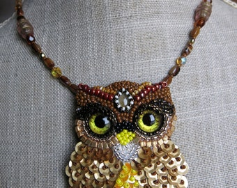 """Embroidered collar """"look"""" sequins and beads"""