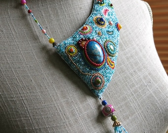 "Embroidered necklace ""India"" bollywood style"
