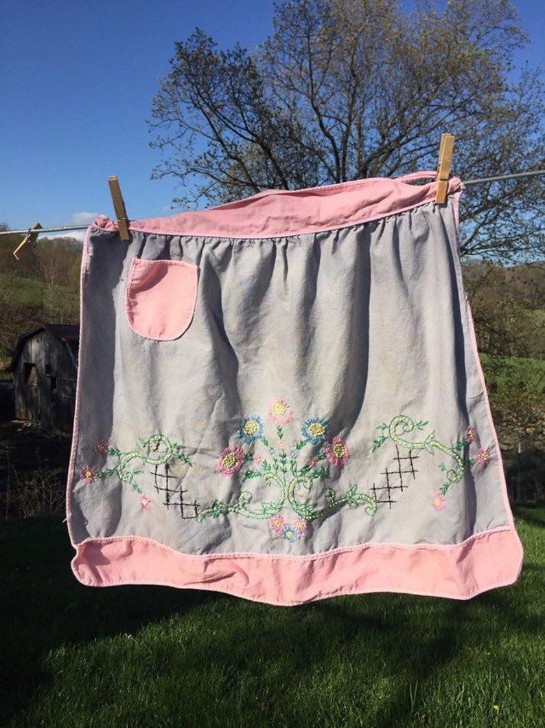 Pretty Pink Apron Strings with this Pink and  Gray Vintage Apron ~ 50s Apron ~ Floral Apron with Pocket