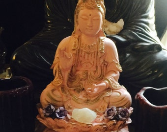 Quan Yin figurine, Kwan Yin, Goddess of Mercy and compassion