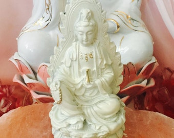 Quan Yin statue, Kwan Yin statue, white Goddess statue, Goddess of Mercy and compassion