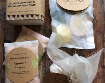 Pamper Gift Set (Medium) - Vegan - Soaps - Fizzes - Bath Salts - Bath Melts - All Natural