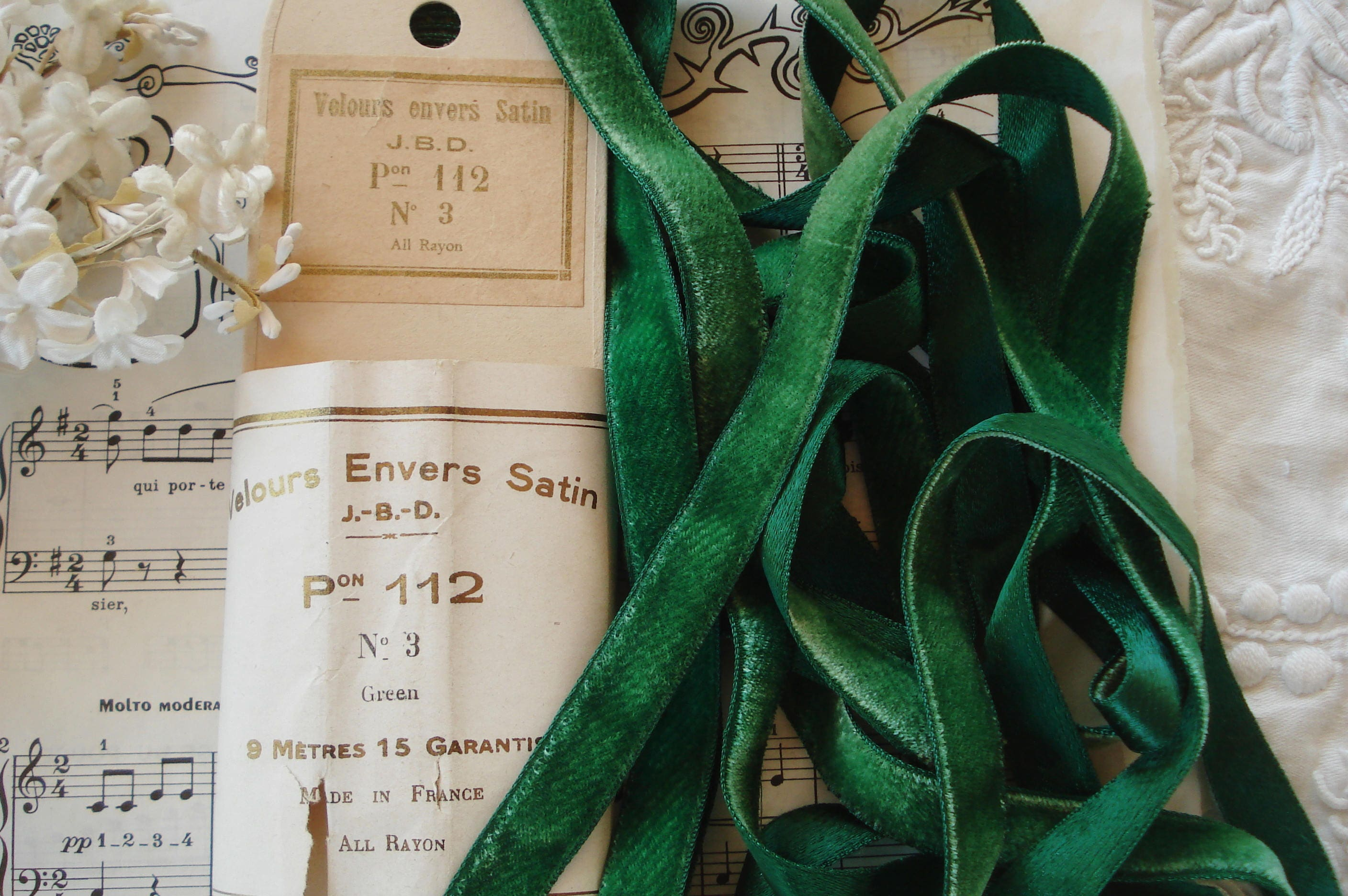 1y Antique Vintage French 5 8 Emerald Green Lush Panne  80bfd7c38893