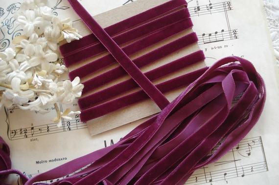 "2y VTG ANTQ FRENCH 3//8/"" FUSHIA PINK VELVET FLOWER DOLL DRESS CHOKER RIBBON TRIM"