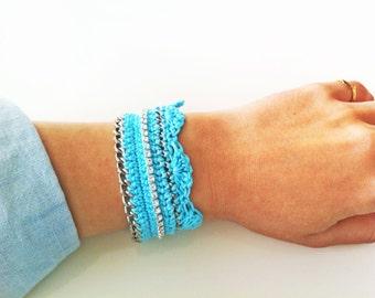 Rhinestone Sea Shell Crochet Bracelet