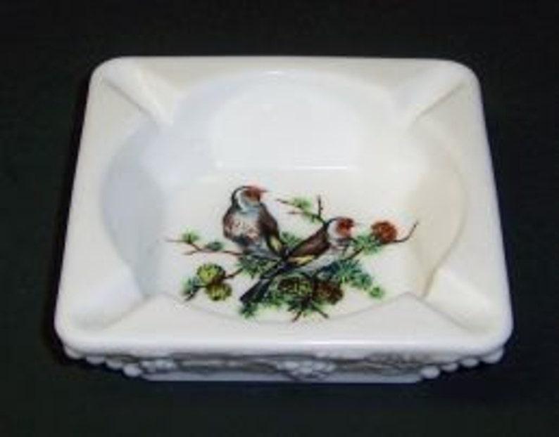 Brown Birds Westmoreland Milk Glass BEADED GRAPE Ash Tray