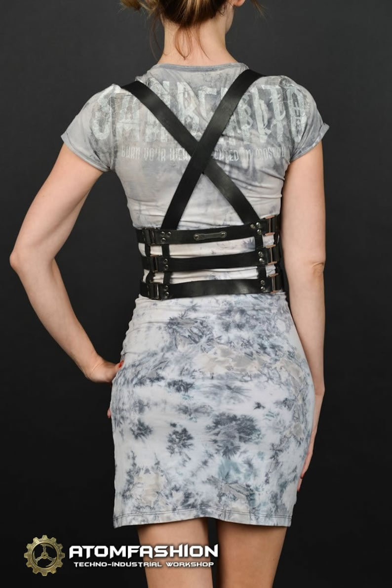 Cage 3.0 woman black leather harness