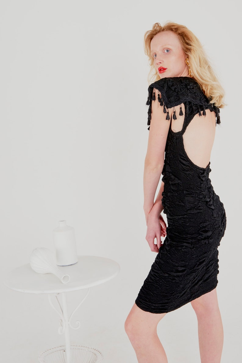 vintage 80/'s NUANCE stretch backless dress  cut-out back  fringe tassels  oversized Peter Pan collar  crinkled texture