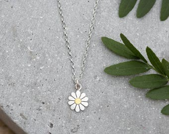 Teeny daisy flower pendant necklace in solid silver and 18ct gold, Daisy necklace, Daisy jewelry, Flower pendant, Floral jewelry