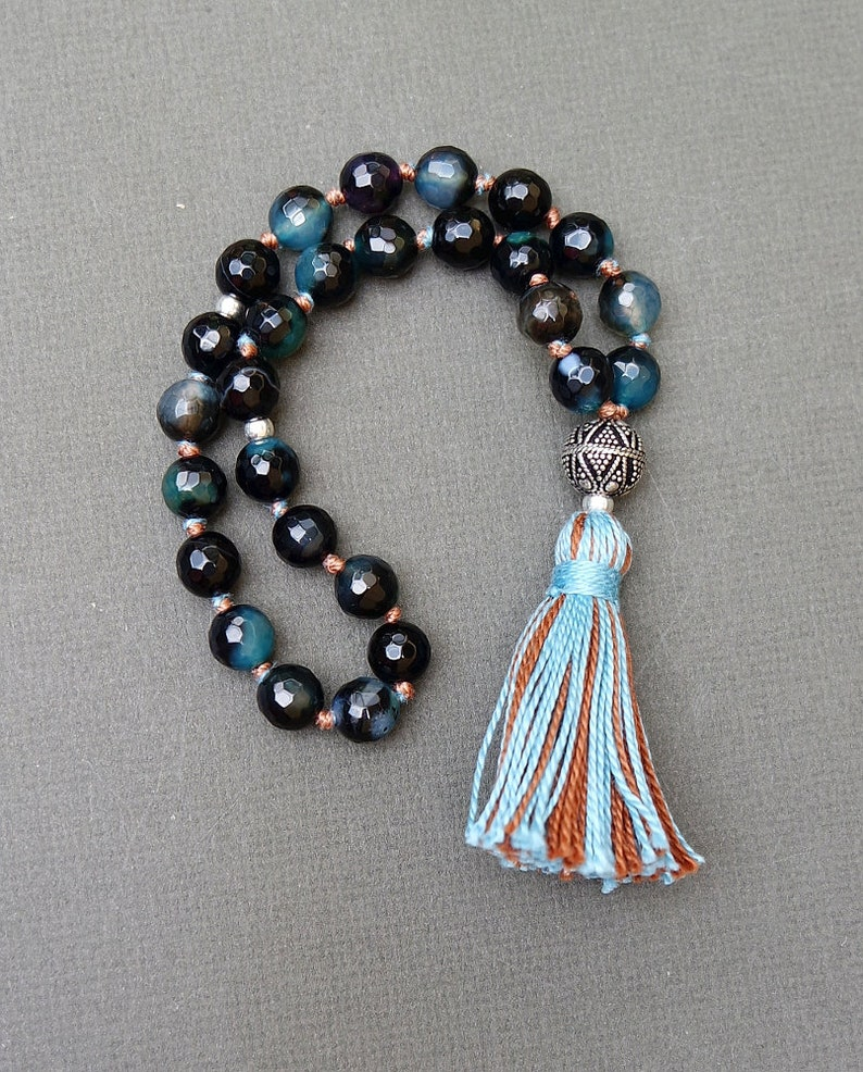 c1ff061f652d7 Mini Mala / 27 Bead Pocket Mala / Blue & Black Agate / Knotted Prayer Beads  / Communication Throat Chakra / Yoga, Boho, Meditation / Tassel