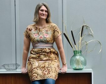 Tunic made of vintage Indonesian batik with floral appliqué, oversized dress, neckties obi, orange beige brown, Medium or Large size
