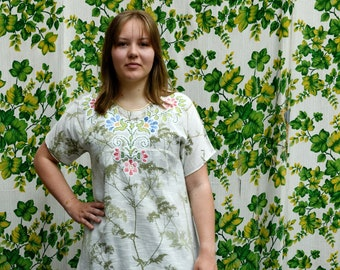 Tunic made of vintage cotton and embroidery, Hundkex design Maija Isola dress, loose fit tunic, vintage white green dress, Medium size