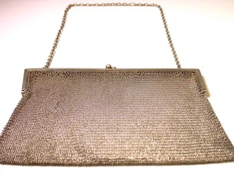 Vintage Sterling Silver Whiting and Davis Mesh Purse - Weight 183 Grams