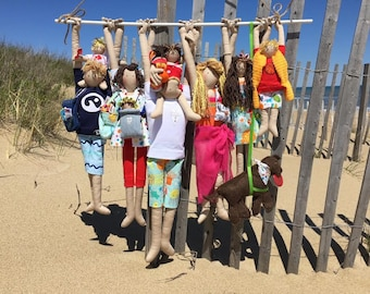 Free (nearly! ) downloadable instructions and pattern to make a Beach Family  in Family Hangout Style