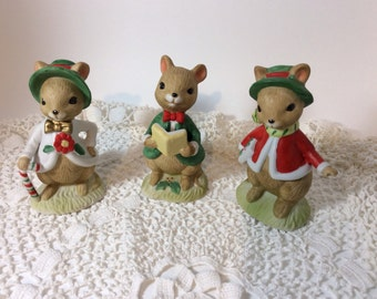 Vintage Lefton Christmas Figurines, Porcelain Set of Three Very Dignified Mice, Dickensian Dress