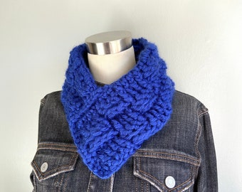 Triangle Scarf, Royal Blue Scarf, Chunky Knit Scarf Infinity Scarf for Mom from Daughter, Christmas Gifts for Nieces, Woven V Neck Warmer