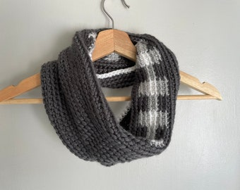 Buffalo Plaid Scarf, Chunky Knit Scarf Infinity Scarf for Women, Christmas Gift for Daughter from Mom, Stocking Stuffer for Teens, Gray Cowl