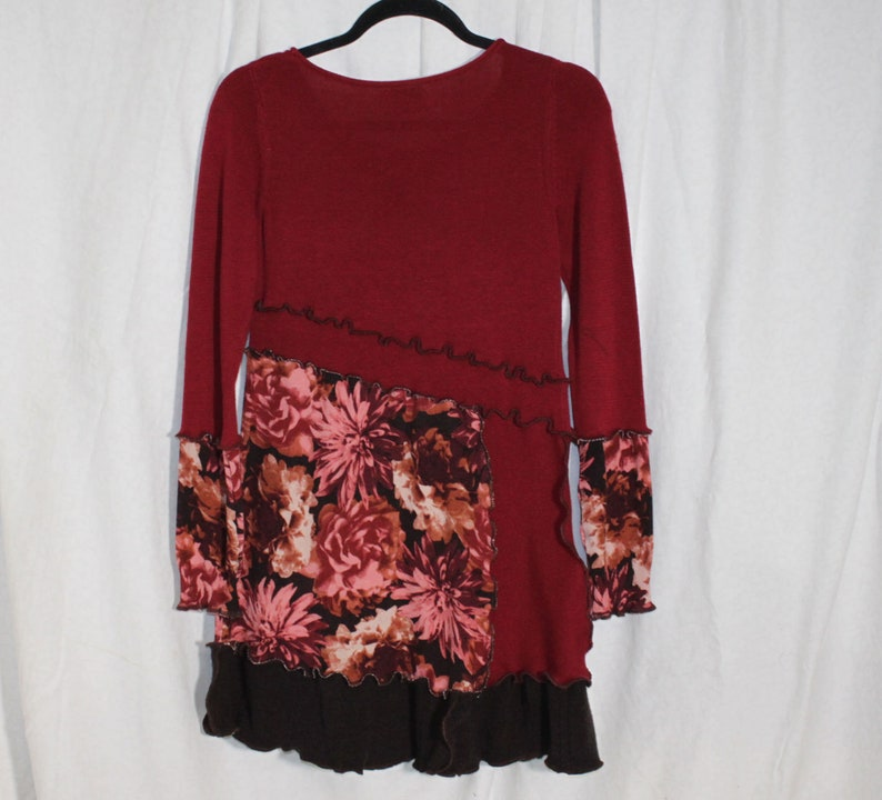 Funky Upcycled Patchwork Tunic Sweater Top Longer Length Asymmetrical Waist Floral Knit Scoop Neck Burgundy Brown Rust XS