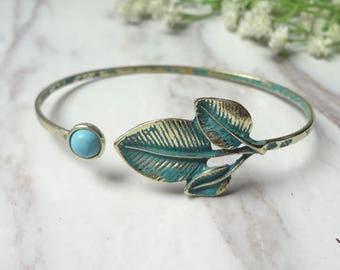 Leaf Bangle, Leaf Bracelet, Stackable Bangle, Charm Bangle, Bridesmaid Bangle, Bridesmaid jewelry 0447