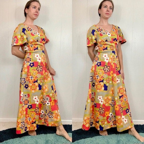 VINTAGE  Floral Flutter Sleeve Dress | 1970's | Sm