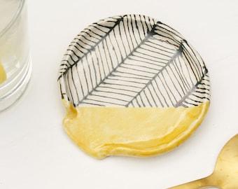 Mustard Herringbone Ceramic Spoon Rest