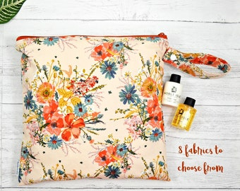 Wet bag, cloth diaper bag, large waterproof bag, Toiletry bag, wash bag, zippered pouch, shoe bag, travel bag, gym bag, reusable bag, floral