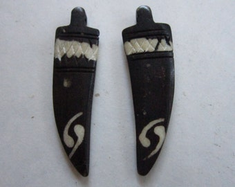 2 TUSK/HORN Tribal  Pendants or Beads Carved Buffalo Bone Jewelry Craft Making TUS1