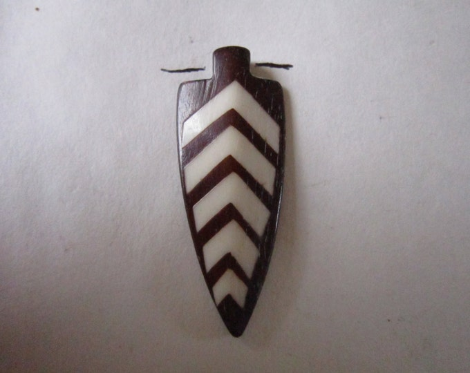 2 Arrowhead Pendants  Buffalo Bone Beads Tribal Pendant Jewelry Supplies Tribal Crafts  BP903