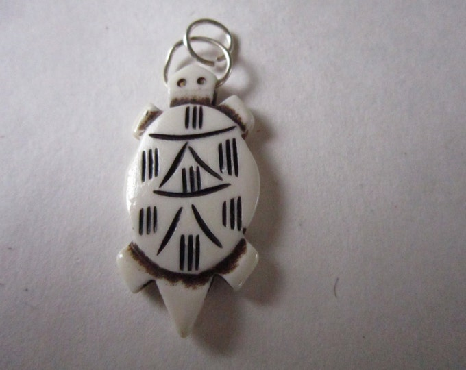 2 Turtle Pendants  Beads 1 3/4 Carved Buffalo Bone Jewelry Craft Making bt43