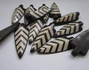 ARROWHEADS Pendants Beads Tribal  Carved Buffalo Bone Craft Jewelry Making Bp903