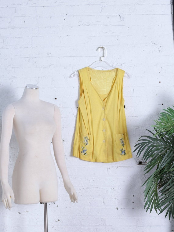 Daffodil Embroidered Vest Size Small