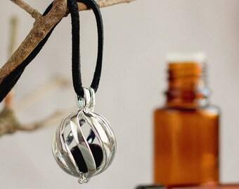 Aromatherapy Jewelry, Essential Oil Diffuser Necklace, Oil Diffuser Jewelry, Aromatherapy Necklace, Oil Locket, additonal Chain, Wool Felt