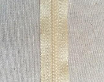 "Atsinson Designs 14"" Zipper in ATK 303 Creamy"