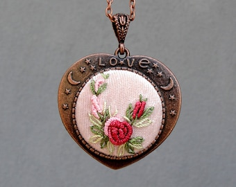 Embroidery Flower Necklace medaillon Embroidered floral Rose Copper Necklace
