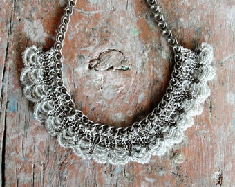 Knitted Glass Necklace and Earrings Sand colored Necklace Natural Lace