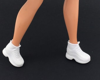SHOES BARBIE DOLL MATTEL#90 FASHIONISTAS  WHITE  SNEAKERS GYM SHOES ACCESSORY