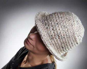 Oatmeal Knit Hat  / 1920s inspiried beige wool hat / Knitted beanie