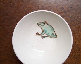 little green frog bowl