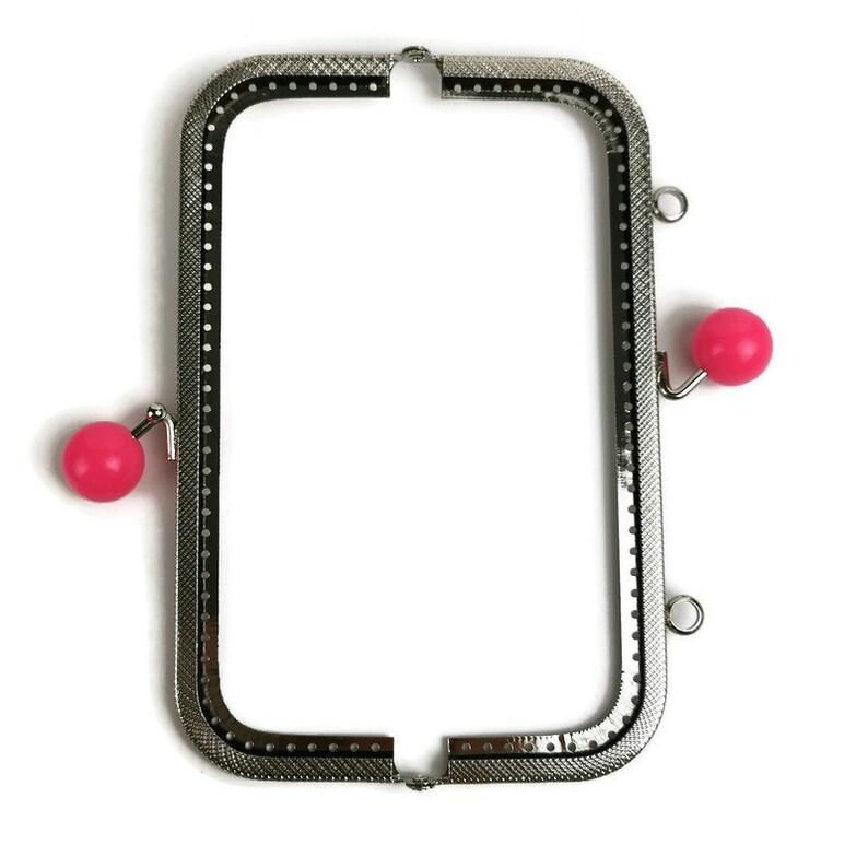 18 cm Light Pink Colored big bobble silver purse frame F181181
