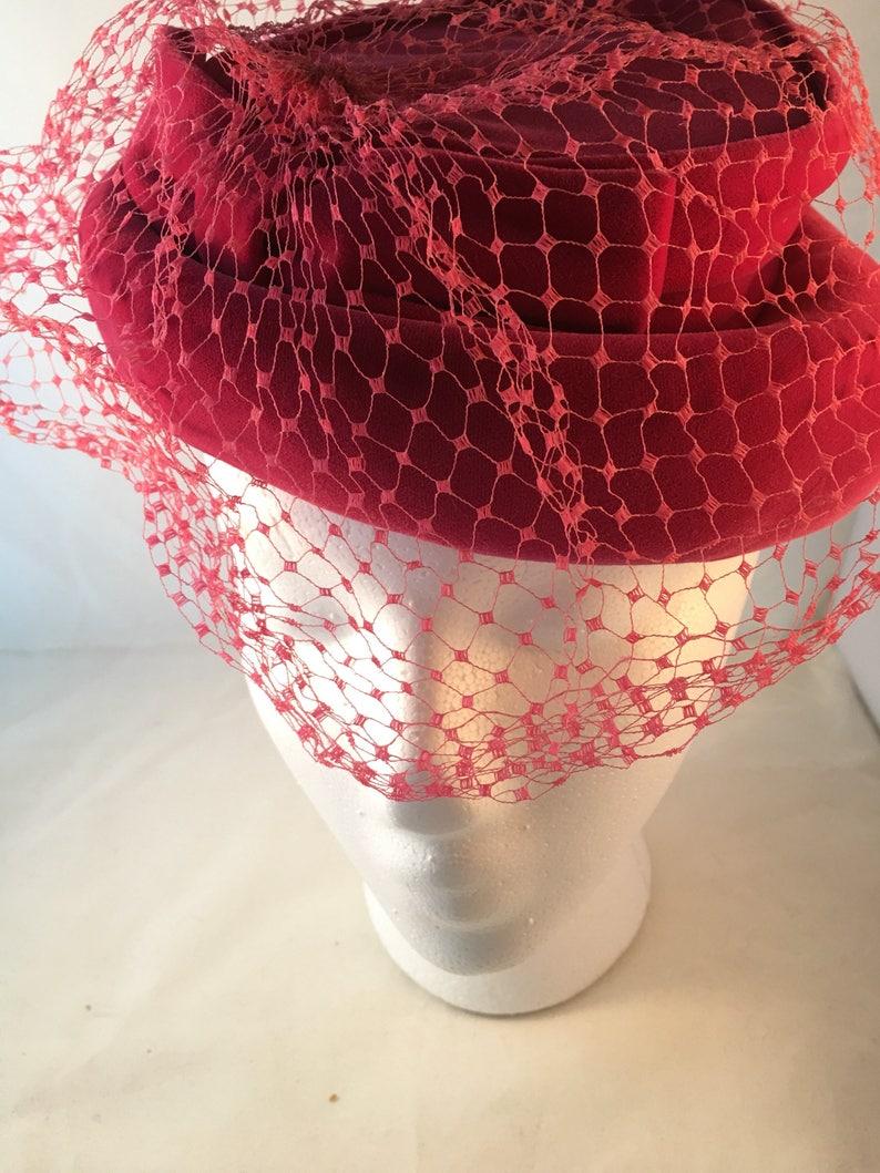 Vintage Pillbox hat with veil fuschia pink