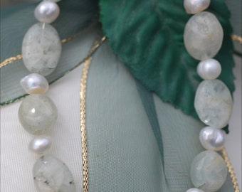 Aquamarine and fresh water pearl bracelet