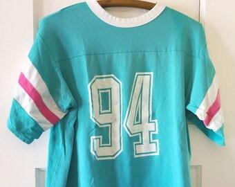 f58ccc5ffe1b07 Amazing 90 s Cropped T-Shirt