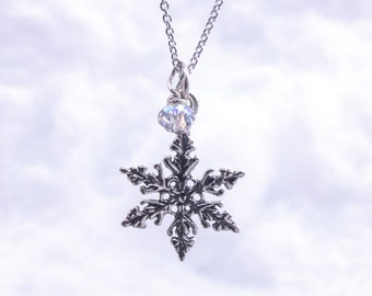 Silver Snowflake Necklace, Sterling Silver Snowflake Pendant, Dainty Snowflake Necklace, Crystal Necklace, Silver Snowflake, Winter Necklace