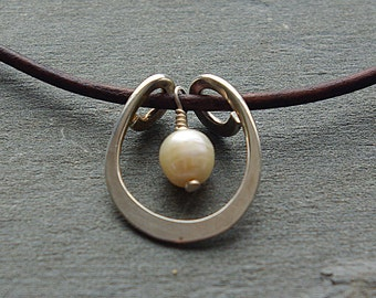 Pearl and Leather Necklace, Pearl Necklace, Silver Pendant, Pearl Pendant Jewelry, Leather Single Pearl Necklace, Brown Leather Necklace