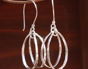 Silver Hoop Earrings, Handmade Earrings, wire earrings, Sterling Silver Dangle Earrings, Hammered Silver, Gift for Her, Minimalist Earrings