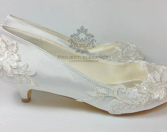 87244fda5 Ivory Vintage Lace Peep Toe Low Heel Shoes 1