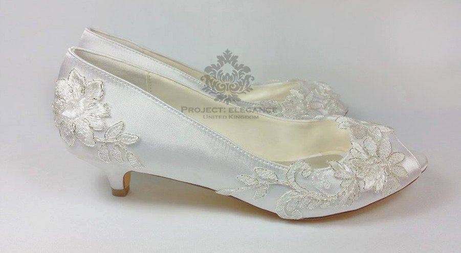 de30e2edc3c7 Ivory Vintage Lace Peep Toe Low Heel Shoes 1 Inch Mid